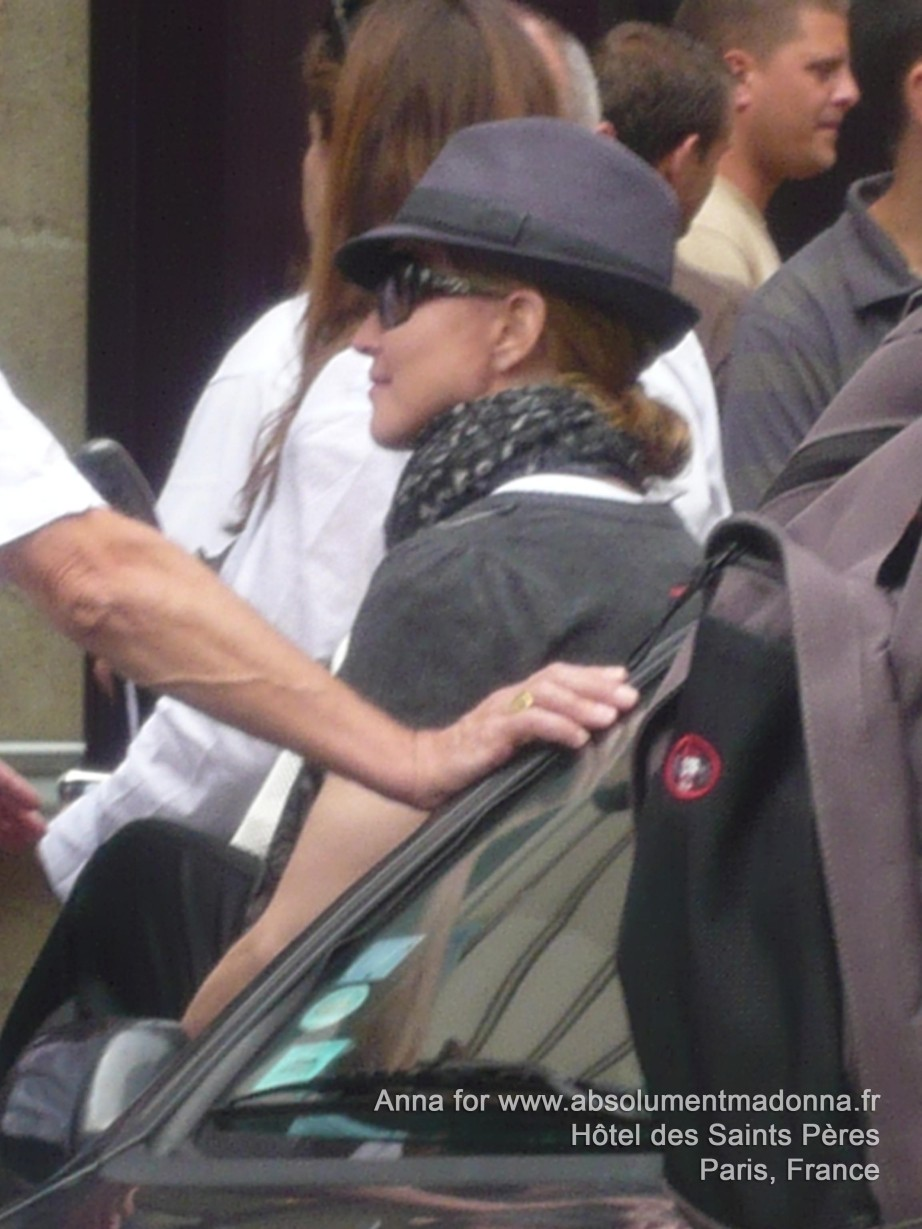 20100801-madonna-exclusive-getting-ready-shoot-movie-we-paris-france-02.jpg
